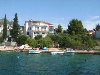 Apartment- RELAX- - Zaboric vacation rentals