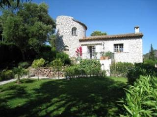 Excellent Holiday Villa with Garden and Balcony, in Provence - Image 1 - Mandelieu La Napoule - rentals