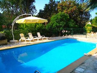 Villa Mer - Apt. II- 1 Bedroom Holiday Rental with a Terrace - Mandelieu La Napoule vacation rentals