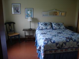 Cozy 1 bedroom Cottage in Victoria - Victoria vacation rentals