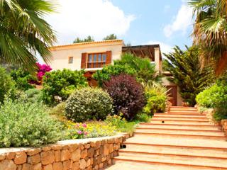 6 bedroom House with Private Outdoor Pool in Sant Josep De Sa Talaia - Sant Josep De Sa Talaia vacation rentals
