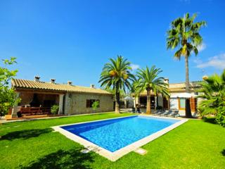 Lovely Inca vacation House with Private Outdoor Pool - Inca vacation rentals