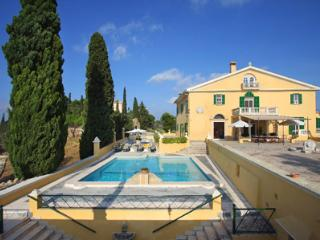 10 bedroom House with Private Outdoor Pool in Alcudia - Alcudia vacation rentals
