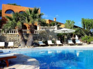 Bright 8 bedroom House in Alcudia with Private Outdoor Pool - Alcudia vacation rentals