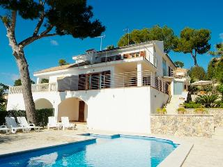 5 bedroom House with Private Outdoor Pool in Alcudia - Alcudia vacation rentals