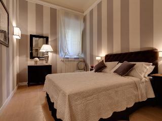 Ranieri - Windows on Italy - Florence vacation rentals