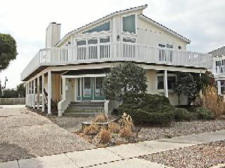 Spacious 4 bedroom House in Stone Harbor - Stone Harbor vacation rentals
