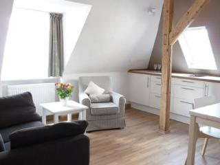 Vacation Apartment in Regensburg - 377 sqft, charming, comfortable, central (# 3647) - Regensburg vacation rentals