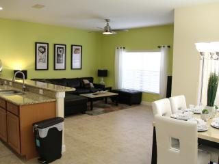 BEST PRICE LUXURY PARADISE VILLA PARADISE PALMS - Kissimmee vacation rentals