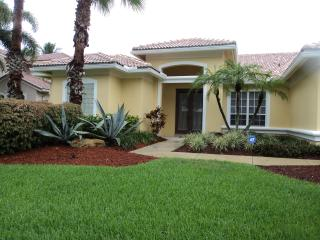Beautiful House with Internet Access and Dishwasher - Lake Worth vacation rentals