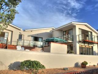 Perfect House with Deck and Internet Access - Bloubergstrand vacation rentals