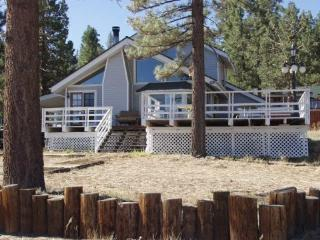 Perfect Cabin with Internet Access and Dishwasher - Big Bear Lake vacation rentals