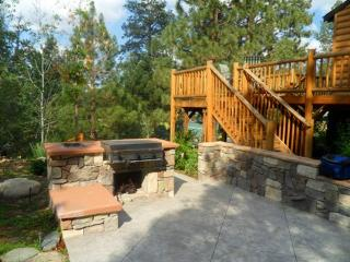 Cozy Cabin with Internet Access and Dishwasher - Big Bear City vacation rentals