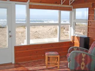 Malibar Beach House - Beach front in Rockaway Beach - Rockaway Beach vacation rentals
