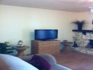THE BEST PLACE TO STAY IN CANYON LAKE - D5 - New Braunfels vacation rentals