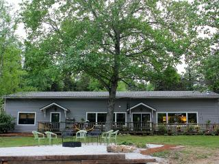 CATCH A RAINBOW...at River House Retreat! - Eureka Springs vacation rentals