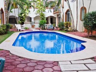 Cozy Condo Playa del Carmen Center by Supermarket - Playa del Carmen vacation rentals