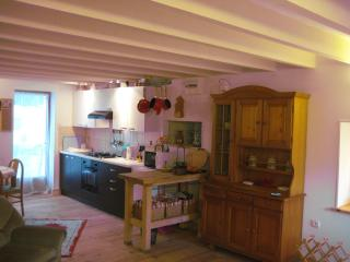 Nice 2 bedroom Cottage in Poitou-Charentes - Poitou-Charentes vacation rentals