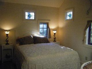 Cozy 1 bedroom Woodstock Cottage with Internet Access - Woodstock vacation rentals