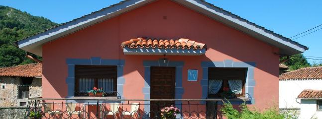 Comfortable House with Towels Provided and Grill - Castrillon Municipality vacation rentals