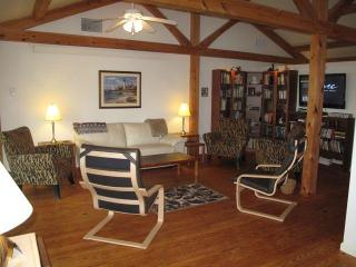 Comfortable House with Deck and Internet Access - Annapolis vacation rentals