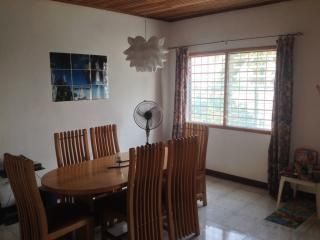 Charming family home with large tropical garden. Dansoman/South Odokor Estates, Accra - Ghana vacation rentals