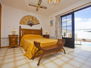 Comfortable 3 bedroom Villa in Costa Teguise - Costa Teguise vacation rentals