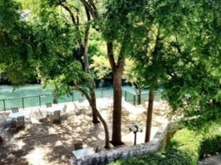 Comal River Access and Walking Distance to SCHLITTERBAHN - New Braunfels vacation rentals