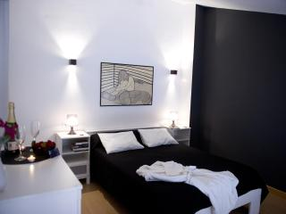 1 bedroom Apartment with Internet Access in Almagro - Almagro vacation rentals