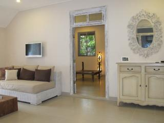 Beautiful 1,5bdr villa with pool, Sanur Beach walk - Sanur vacation rentals