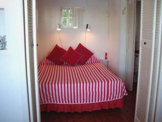C91. Charming Cottage Set in Gardens with A View - Southampton vacation rentals