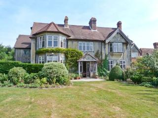HOATH HOUSE large manor house, seven bedrooms, extensive grounds in Edenbridge Ref 22743 - Edenbridge vacation rentals