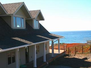 """Tide Pool""Best In Dillon!! 3 MIN WALK TO BEACH! Hot Tub/Pool Table! - Dillon Beach vacation rentals"