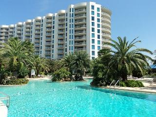 Fantastic Two Bedroom Two Bath Condo Overlooking 11,000 sqft Pool - Destin vacation rentals