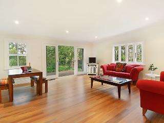 Poet's Cottage - Boutique Blue Mountains Tranquility - Wentworth Falls vacation rentals
