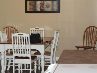 Nice House with Internet Access and Dishwasher - Albany vacation rentals