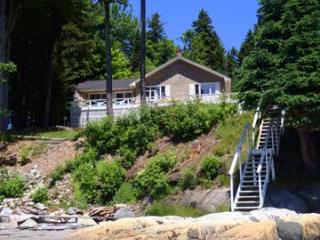 Perfect House with Internet Access and DVD Player - Sullivan vacation rentals