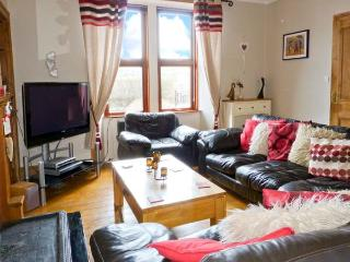 ROSELEA, open fire, games room, courtyard garden with decked area, in Eyemouth, Ref 20918 - Eyemouth vacation rentals