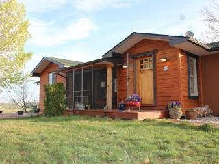 Comfortable House with Deck and Internet Access - Berthoud vacation rentals
