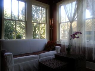 Coliseum Square Gem in the L Garden District - New Orleans vacation rentals