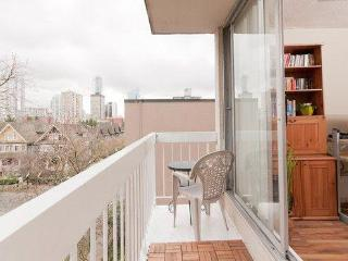 Sleeps 5 West End Vancouver on Pendrell near Davie - Vancouver Coast vacation rentals