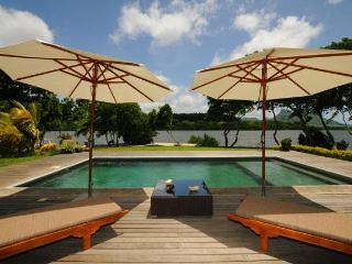 Nice 5 bedroom Villa in Mahebourg with Internet Access - Mahebourg vacation rentals