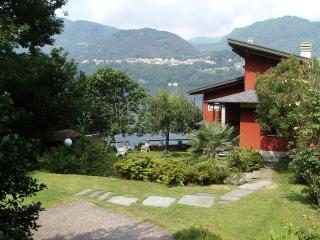 Romantic 1 bedroom B&B in Omegna - Omegna vacation rentals