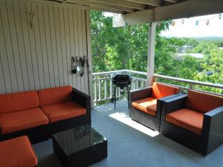 LOOK HERE! The Double View - 2/2 with two decks - Austin vacation rentals