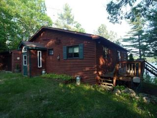 """Rideau View"" on Clear Lake - Rideau Lakes vacation rentals"