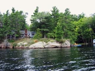 """Belle Cove"" Big Rideau Lake - Rideau Lakes vacation rentals"
