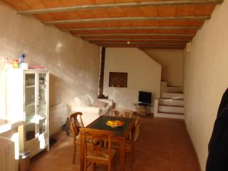 Peaceful  rural house with view on the mountains - Aragon vacation rentals