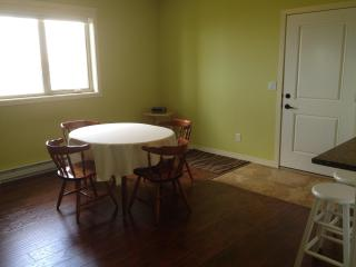 1 bedroom suite Lake Okanagan Kelowna City views - Homfray Creek vacation rentals