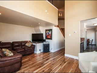 Chic & Stylish Townhome - Recently Remodeled (24998) - Park City vacation rentals