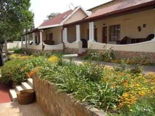 6 bedroom Bed and Breakfast with Internet Access in Pretoria - Pretoria vacation rentals